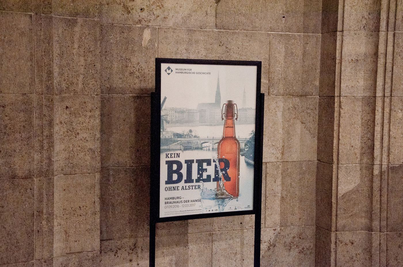 Fonts In Use Kein Bier Ohne Alster Exhibition 03 Muriza