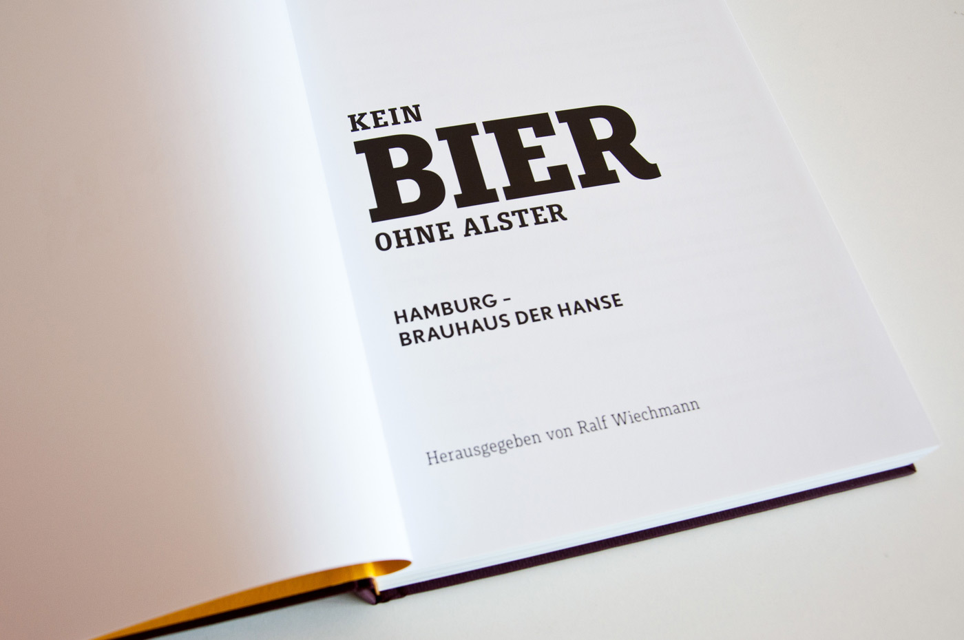 Fonts In Use Kein Bier Ohne Alster Exhibition 22 Muriza